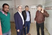 Visite sur le terrain du maire et du greffier général accompagné d'un président